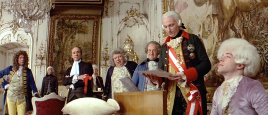 Mozart (Tom Hulce) 'bewijst' dat hij Saliëri's welkomsmars na één keer horen uit zijn hoofd kent